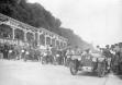 Соревнования автомобилей на колцевой трассе Opel