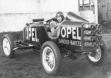 Курт Волхарт за рулем первого автомобиля-ракеты Opel RAK 1
