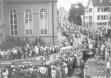 Автомобильная процессия отмечает 100-летний юбилей Компании Adam Opel AG в 1962 году