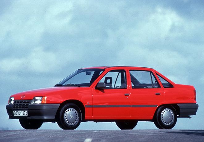 Opel Kadett пятое поколение Д