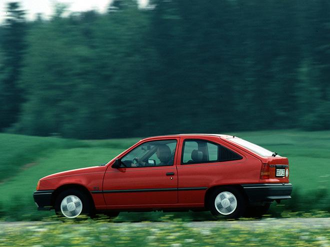 Opel Kadett шестое поколение Е
