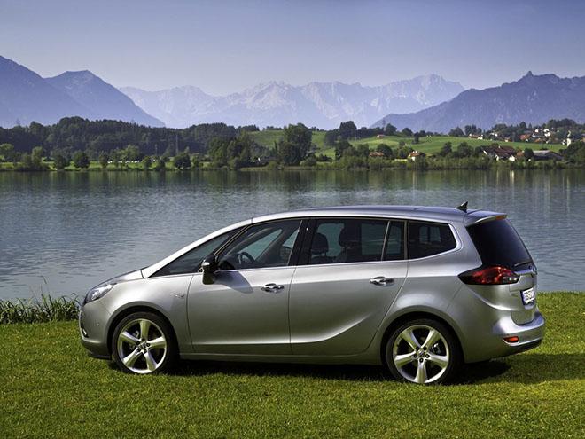Экстерьер Opel Zafira С (2011–2016)